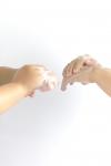 あかぎれの薬でおすすめ~あの栄養成分とクリームが一番の特効薬~